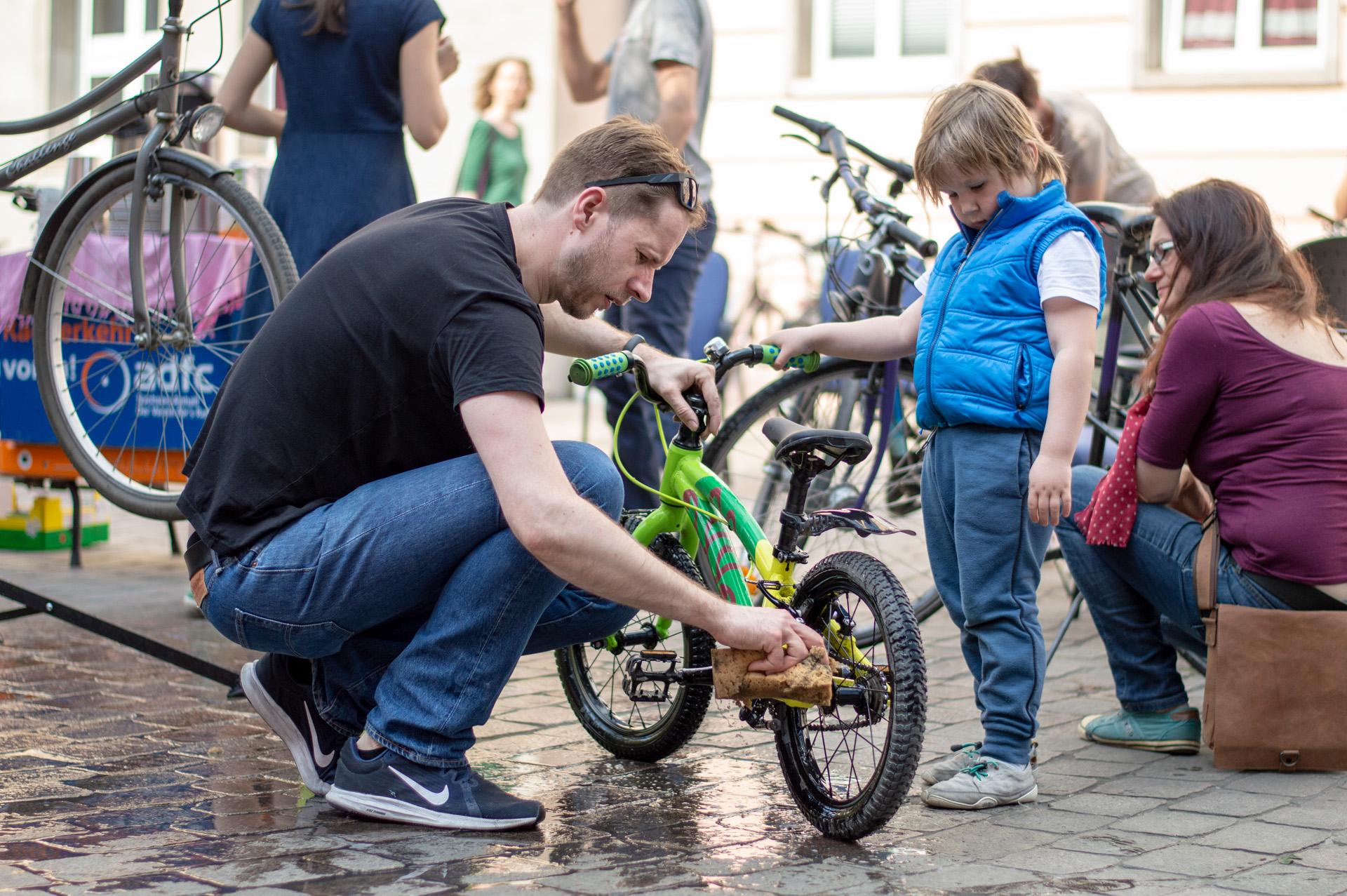 Foto Magdeburger Radkultur Fahrradfrühjahrsputz